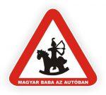 Magyar baba az autóban mágnes