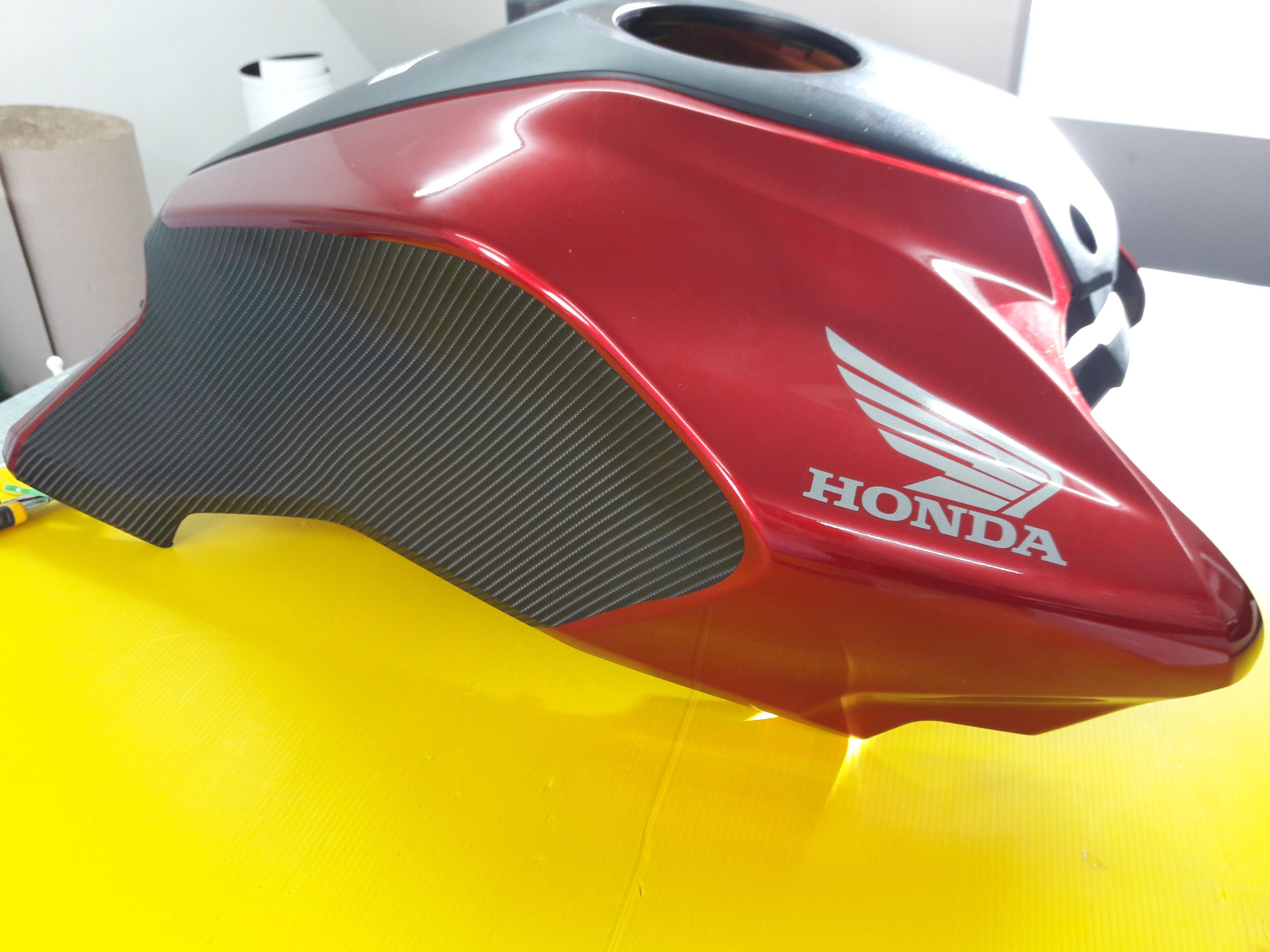 Honda tankburkolat dekorálás